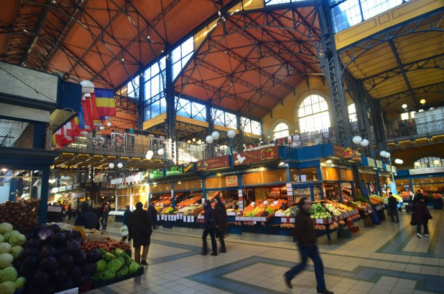 budapest___marketplace_by_llukebe-d6381br