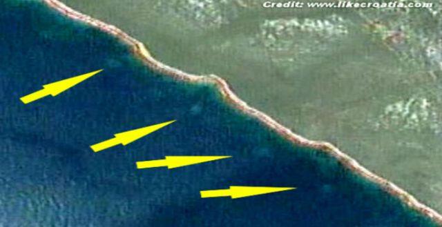 Mysterious-Circles-Discovered-Off-Coast-of-Croatia-2013